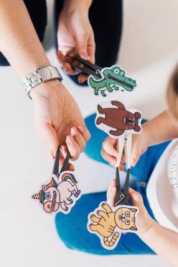 familypass-clothespin-puppets-04